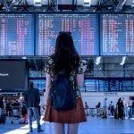 Pierwszy długi lot samolotem – jak się przygotować i co warto ze sobą zabrać?